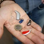 7 трика как да се общува с хора с нарушен слух