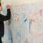 Рисунки - детето и цветът